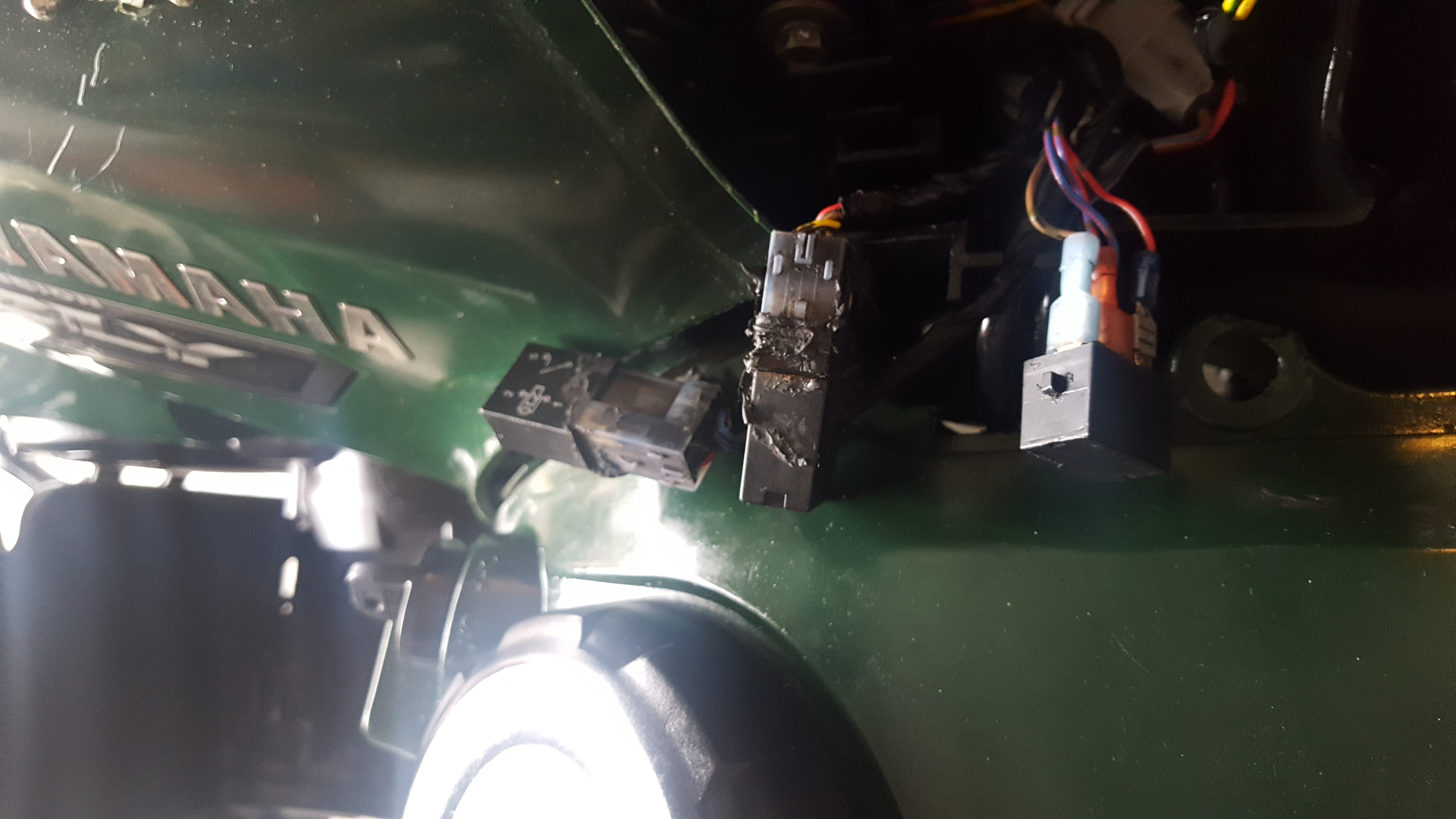 fuel pump relay electrical issues yamaha grizzly atv forum. Black Bedroom Furniture Sets. Home Design Ideas