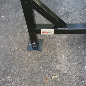 The extendable foot of the swivel hoist for support.