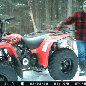 DATE ON TRAIL CAM WAS OFF.....PICTURE WAS TAKEN IN 2016!  1998 YAMAHA BIG BEAR - ONE SIMPLE AND RUGGED ATV.